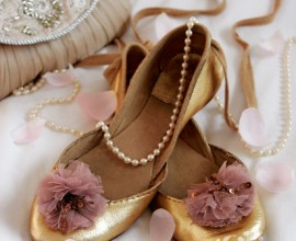 sl_balletpumps - Pretty gold pumps with handbag, pearls and petals